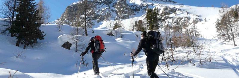 ski de randonnée dans les Cerces en initiation ski de rando Alpin à peau de phoque