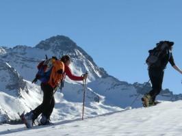 Ski de rendonnée encadré par des guides de haute montagne dans le Queyras