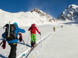 Ski de randonnée en étoile avec les guides de montagne du Queyras